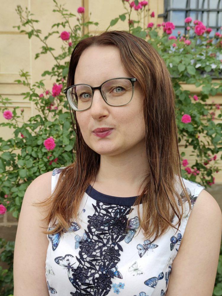 Porträtfoto: Caroline Czaplik mit nassen Haaren