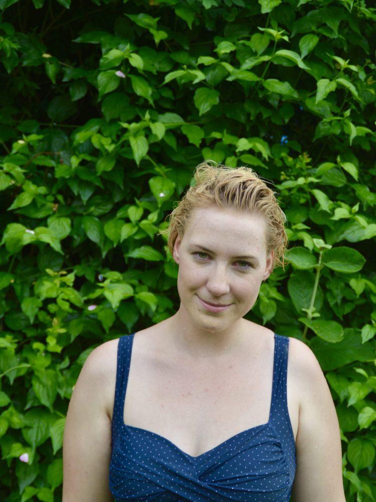 Porträtfoto: Franziska Back mit nassen Haaren